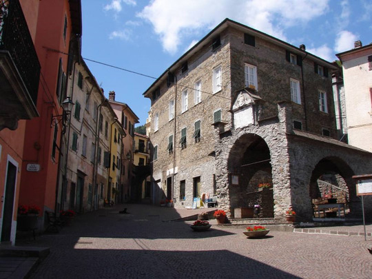 Bed and Breakfast a Pignone - Il Borgo e la Loggia